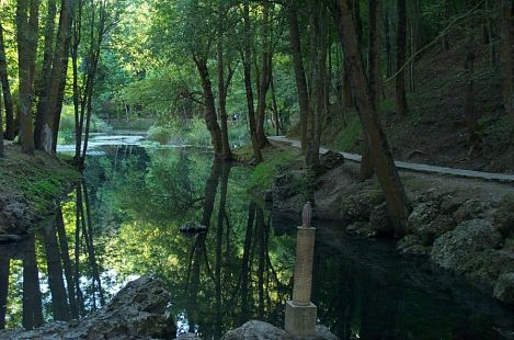 Fontibre, el nacimiento del Río Ebro