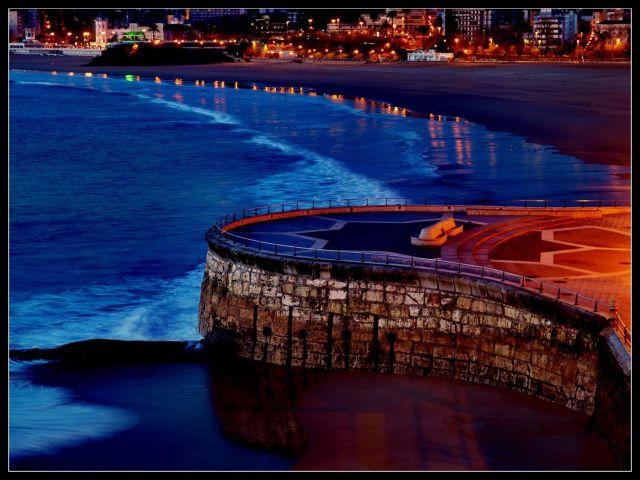 El Sardinero nocturno .