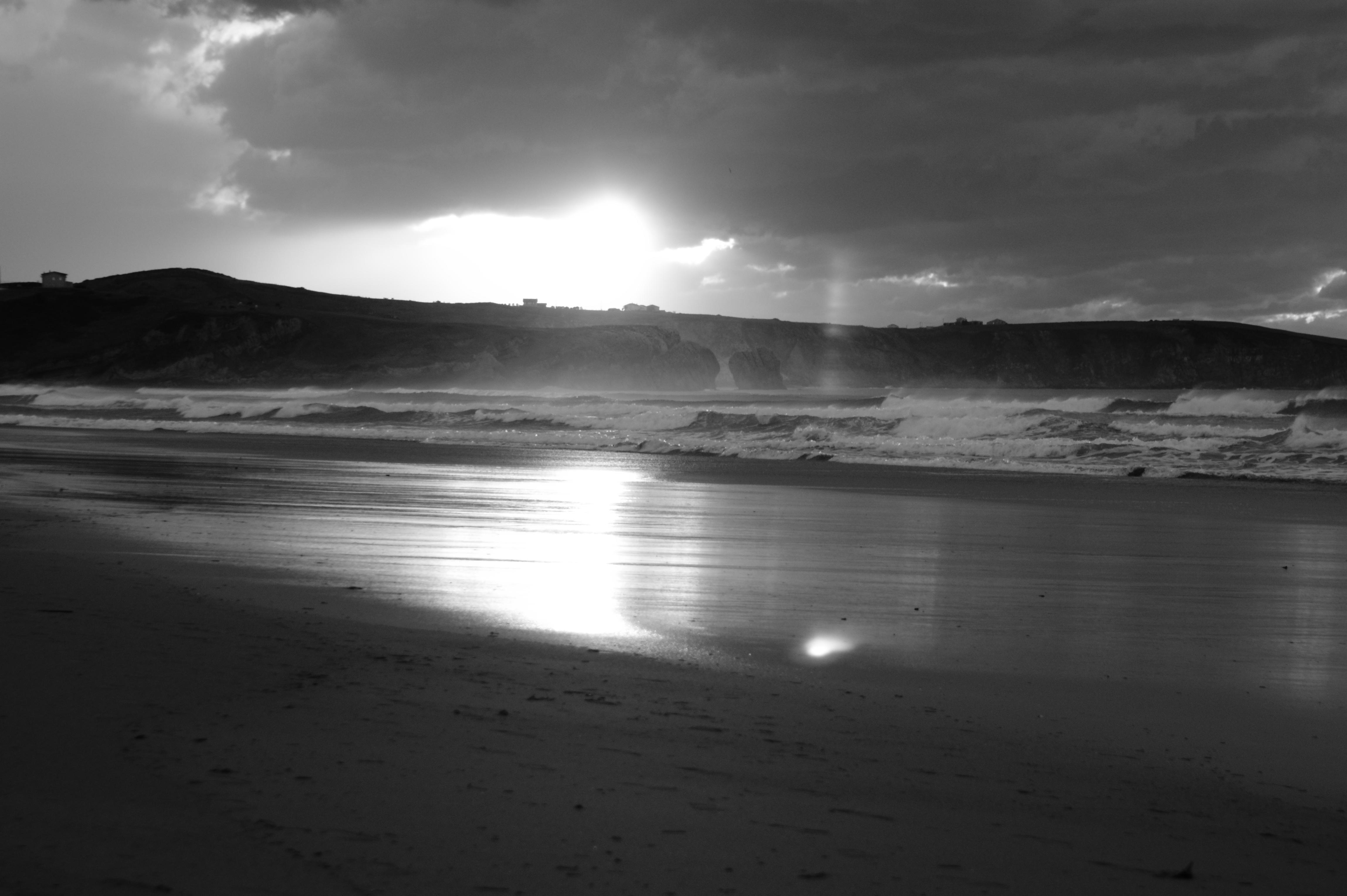 Atardecer en blanco y negro fotos de playas de cantabria - Fotos en blanco ...