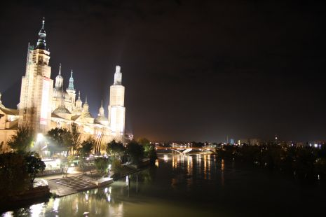 BASILICA DEL PILAR DE NOCHE