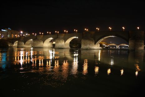 PUENTE SOBRE EL RIO EBRO EN ZARAGOZA