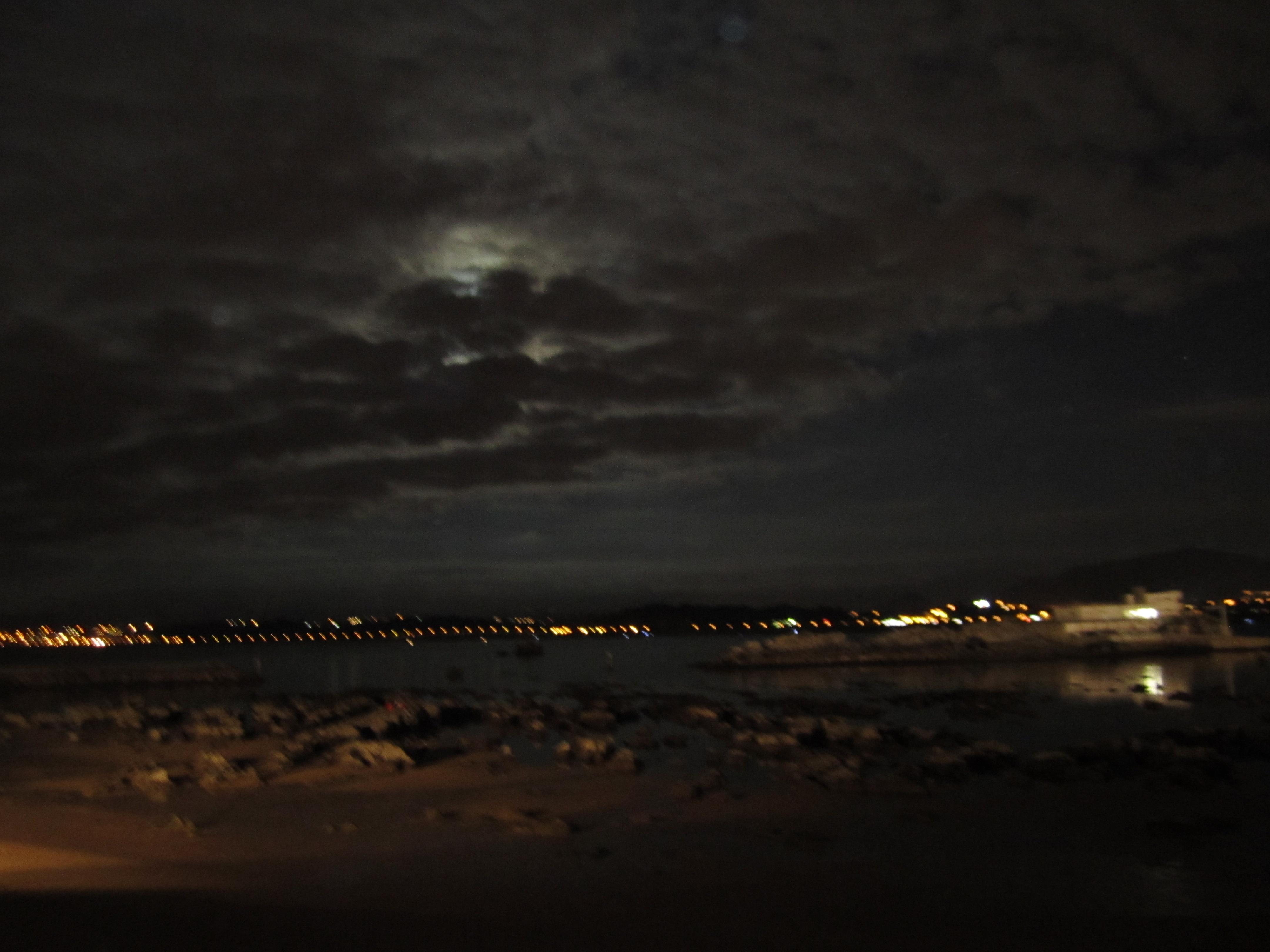 Noche en la playa sandfly