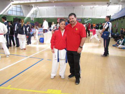 Aquilino y Victoria Bronce Campeonato España Karate (Kumite -50) Universitario 2011 del Gimnasio Mente