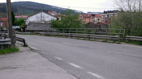 Puente rio Carrimon