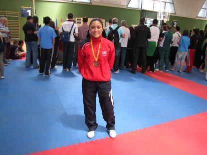 Victoria Jiménez. Medalla Bronce Cto. España Universitario de Kárate en Kumite -50 Kg.