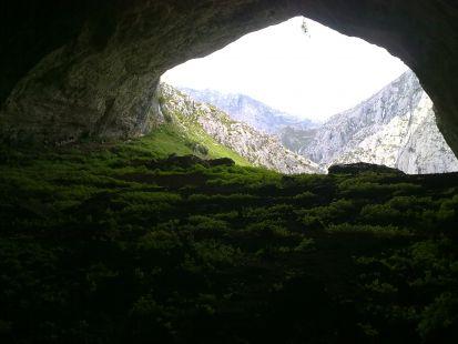 Interior de Cueva Ciloña