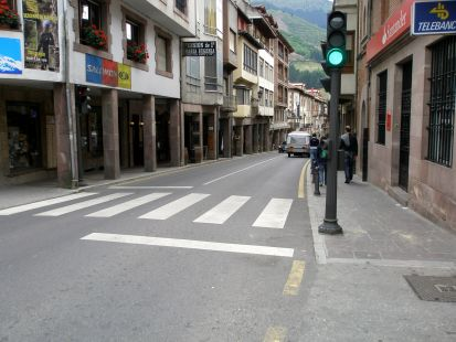 Potes (calle mayor).
