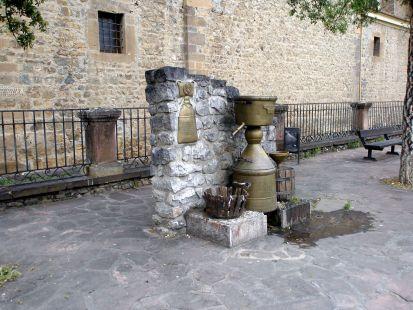 Fuente (Potes).