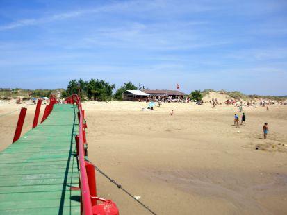 Chiringuito y desembarcadero del Puntal.