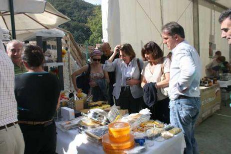 II Feria de la Miel en Vega de Li�bana
