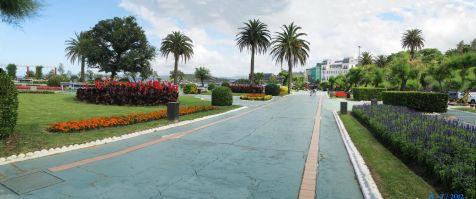 Paseo por jardines de Piquio