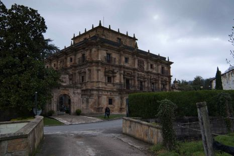 Villa Carriedo (Palacio )