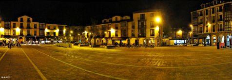 Torrelavega, plaza Baldomero Iglesias de noche