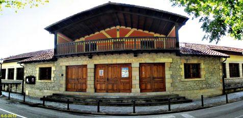Casa de cultura en Puente de San Miguel