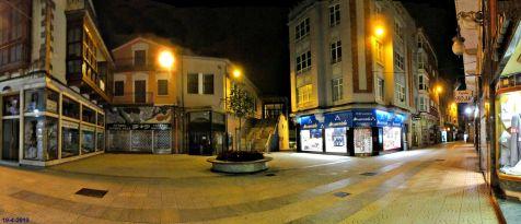 Torrelavega, plaza de abastos de noche