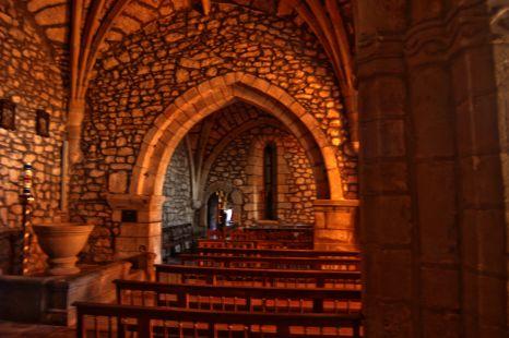 Interior de iglesia de  Pumalverde