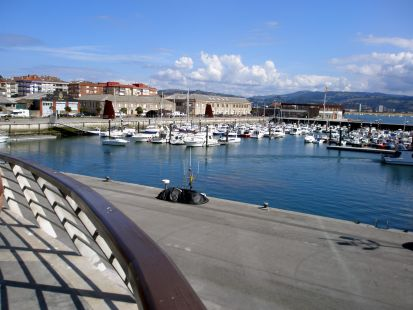 Puerto deportivo (Santoña).