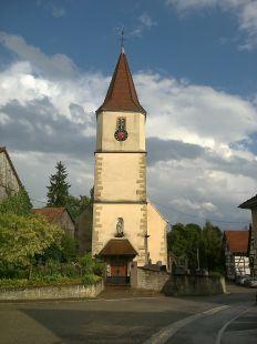 Iglesia y cementerio de Franken