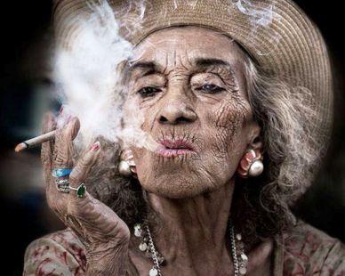 Fumando espero