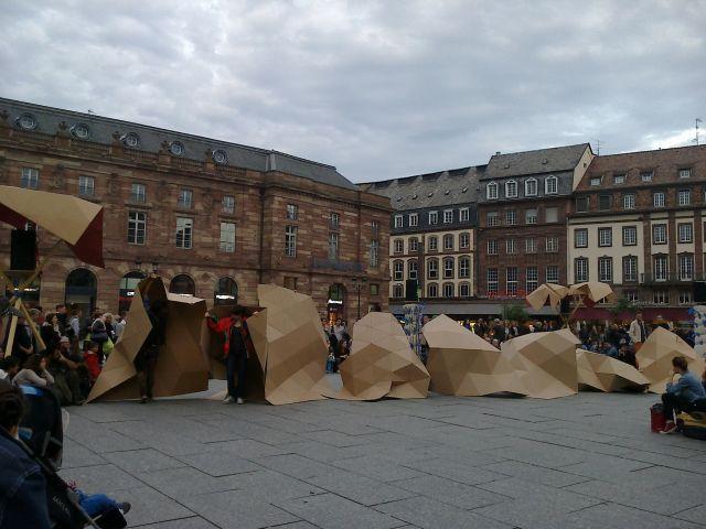Representación plástica en la Plaza KLEBER