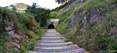 Tunel de acceso a la mina en Castro Urdiales