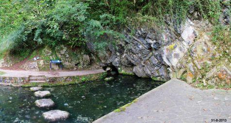 Manantial del arroyo de La Fuentona, en Ruente