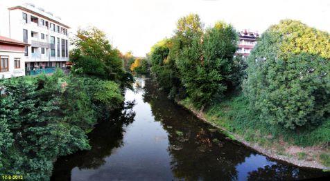 Solares, reflejos en el rio MIERA