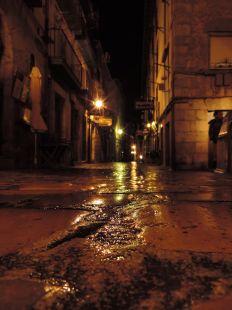 cae la nocheen la rua
