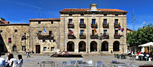 Ayuntamiento de Reinosa. Plaza de España