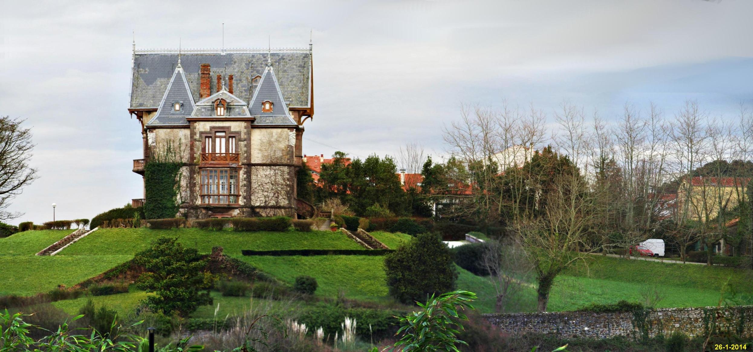 Casa del duque en comillas fotos de cantabria - Casas de pueblo en cantabria ...