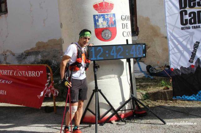 Iván Hoyal, en la meta. Foto de El Diario Montañés. Pulse para verlo más grande