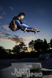 Practicando Skate en el skatepark de la Vaca