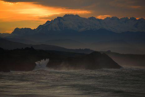 Cantabria,Entre el Mar y la MOntaña