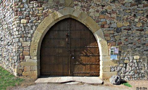 Entrada al castillo de Argüeso
