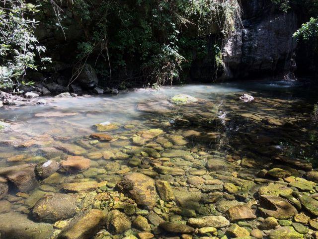 Contaminacion en el rio de Bárcena Mayor